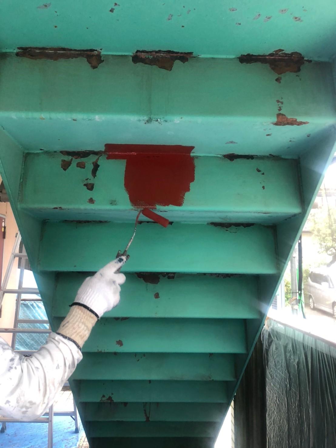 鉄骨階段錆止め塗装の画像
