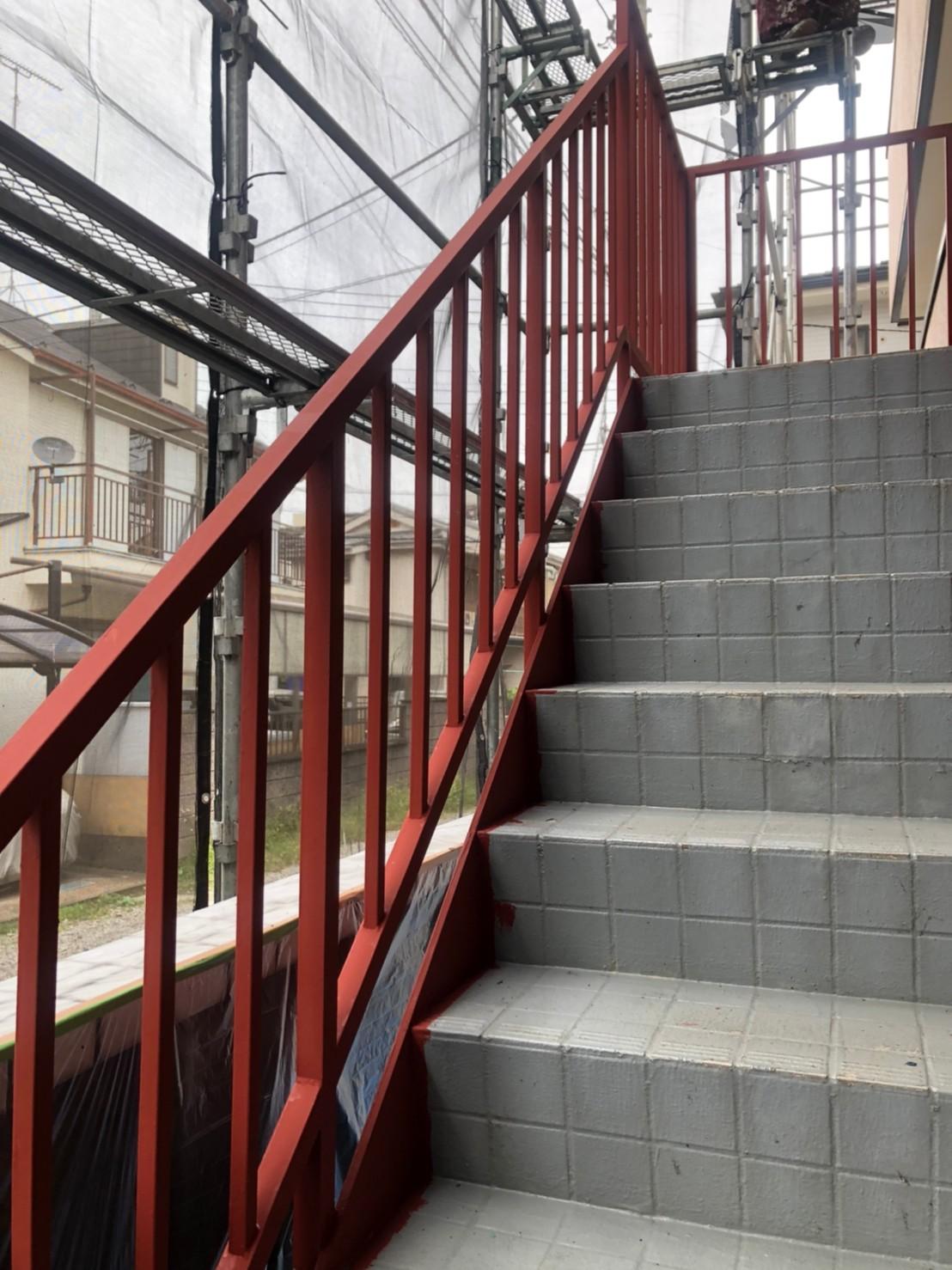 鉄骨階段錆止め塗装後の画像