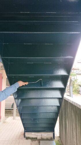 階段塗装の画像