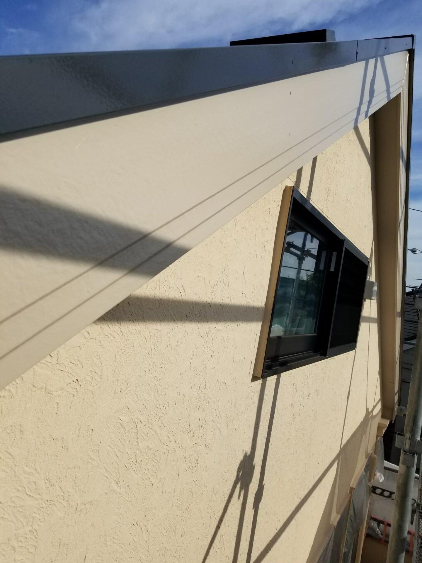 破風板の塗装後の画像